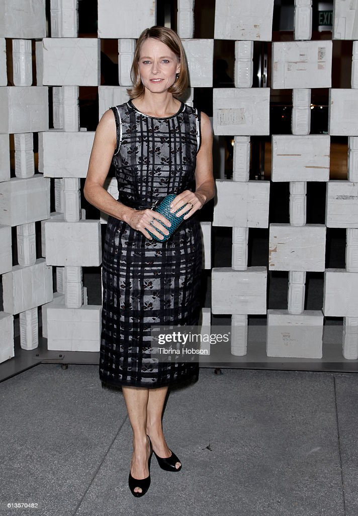 Jodie Foster attends the Hammer Museum's 14th annual Gala In The Garden at Hammer Museum on October 8, 2016 in Westwood, California.