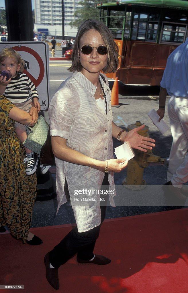 Jodie Foster during Premiere of Walt Disney's 'Pocahontas' at El Capitan Theater in Hollywood California United States
