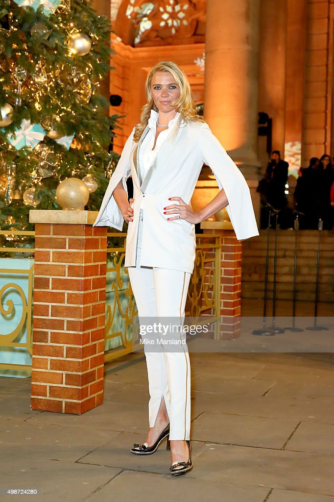 <a gi-track='captionPersonalityLinkClicked' href=/galleries/search?phrase=Jodie+Kidd&family=editorial&specificpeople=178960 ng-click='$event.stopPropagation()'>Jodie Kidd</a> switches on the Christmas Tree at The Royal Exchange on November 25, 2015 in London, England.