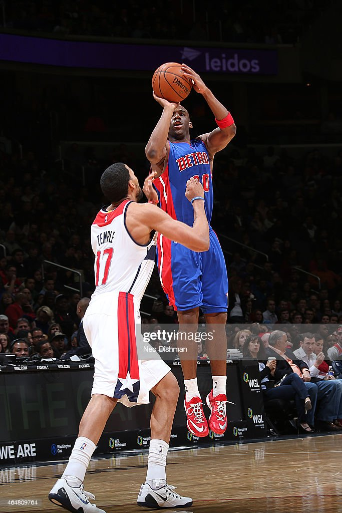 Jodie Meeks of the Detroit Pistons shoots the ball against the Washington Wizards during the game on February 28 2015 at Verizon Center in Washington...