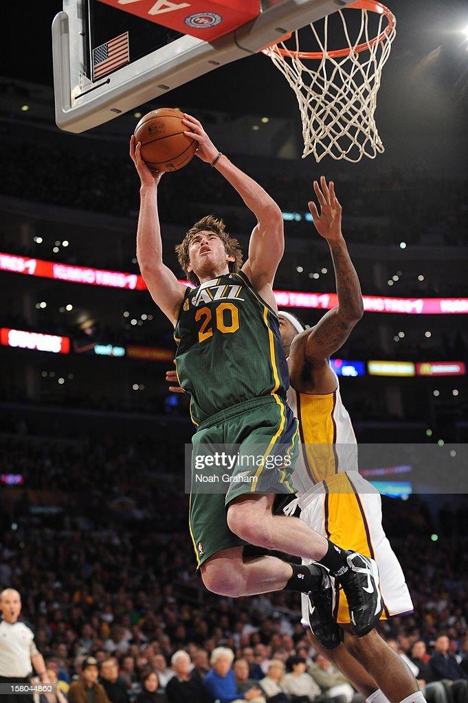 Jodie Meeks #20 of the Los Angeles Lakers shoots against the Los Angeles Lakers at Staples Center on December 9, 2012 in Los Angeles, California.