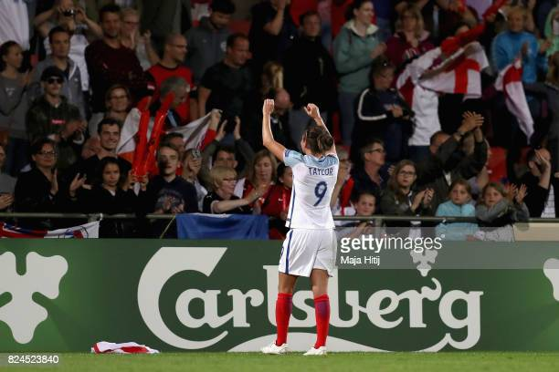 Jodie Taylor of England shows appreciation to the fans after the UEFA Women's Euro 2017 Quarter Final match between France and England at Stadion De...