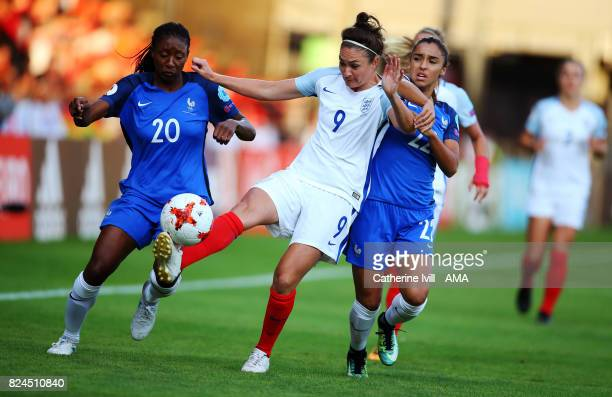 Jodie Taylor of England Women gets away from Kadidiatou Diani and Sakina Karchaoui of France Women during the UEFA Women's Euro 2017 match between...