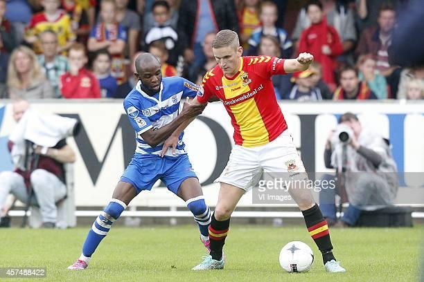 Jody Lukoki of PEC Zwolle Sjoerd Overgoor of Go Ahead Eagles during the Dutch Eredivisie match between Go Ahead Eagles and PEC Zwolle at The...