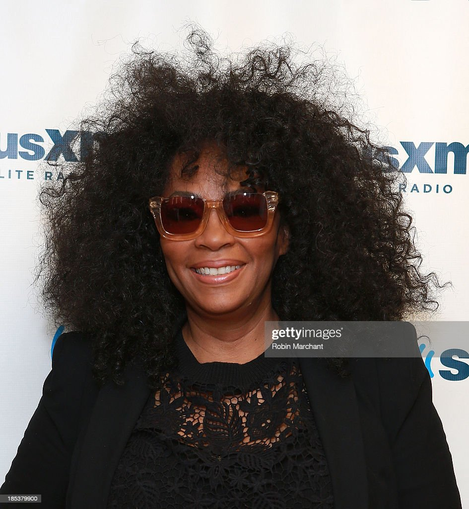 <a gi-track='captionPersonalityLinkClicked' href=/galleries/search?phrase=Jody+Watley&family=editorial&specificpeople=1186444 ng-click='$event.stopPropagation()'>Jody Watley</a> visits SiriusXM Studios on October 16, 2013 in New York City.