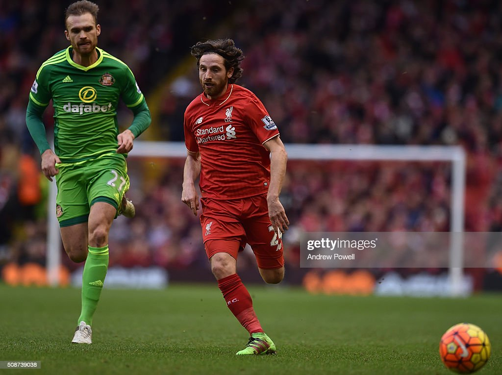 <a gi-track='captionPersonalityLinkClicked' href=/galleries/search?phrase=Joe+Allen+-+Welsh+Soccer+Player&family=editorial&specificpeople=9629091 ng-click='$event.stopPropagation()'>Joe Allen</a> of Liverpool competes with Jan Kirchhoff of Sunderland during the Barclays Premier League match between Liverpool and Sunderland at Anfield on February 6, 2016 in Liverpool, England.
