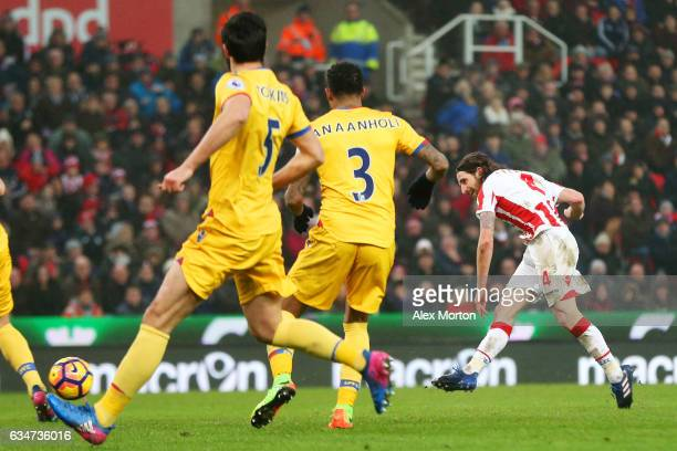Joe Allen of Stoke City scores the opening goal during the Premier League match between Stoke City and Crystal Palace at Bet365 Stadium on February...