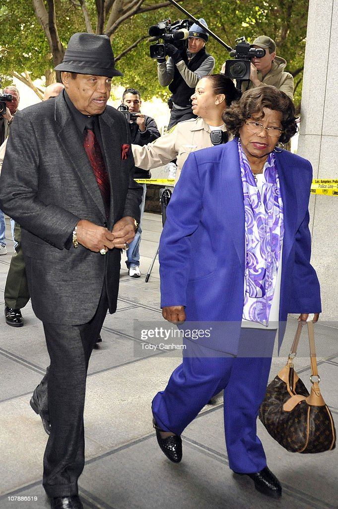 Joe and <a gi-track='captionPersonalityLinkClicked' href=/galleries/search?phrase=Katherine+Jackson&family=editorial&specificpeople=201779 ng-click='$event.stopPropagation()'>Katherine Jackson</a> arrive for the second day of the preliminary hearing for Dr Conrad Murray on January 5, 2011 in Los Angeles, California.