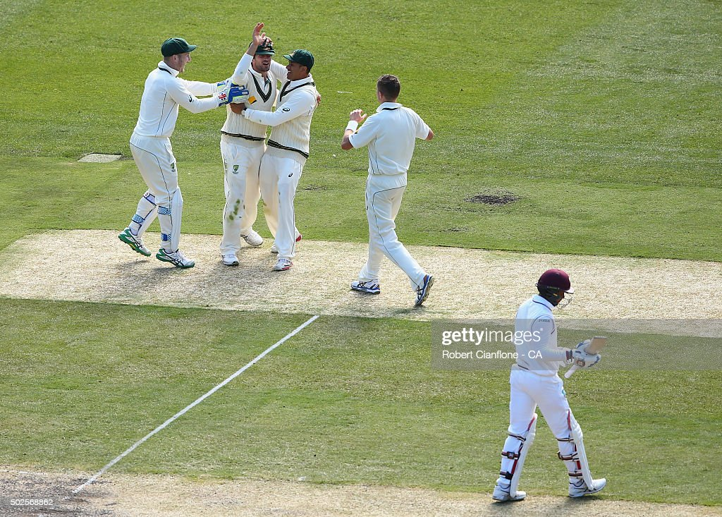 <a gi-track='captionPersonalityLinkClicked' href=/galleries/search?phrase=Joe+Burns+-+Kricketspelare&family=editorial&specificpeople=15039111 ng-click='$event.stopPropagation()'>Joe Burns</a> of Australia celebrates after taking a catch to dismiss <a gi-track='captionPersonalityLinkClicked' href=/galleries/search?phrase=Denesh+Ramdin&family=editorial&specificpeople=542842 ng-click='$event.stopPropagation()'>Denesh Ramdin</a> of the West Indies during day two of the Second Test match between Australia and the West Indies at the Melbourne Cricket Ground on December 27, 2015 in Melbourne, Australia.