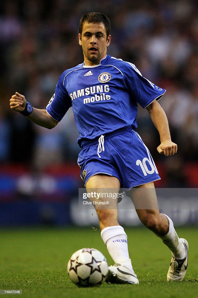 Joe Cole of Chelsea in action during the UEFA Champions League semi final second leg match between Liverpool and Chelsea at Anfield on May 1, 2007 in Liverpool, England.