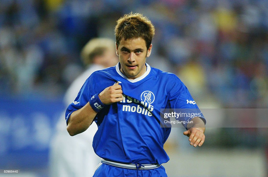 Joe Cole of Chelsea looks on during a friendly match with Suwon Samsung Bluewings on May 20 2005 in Suwon South Korea Chelsea won 10