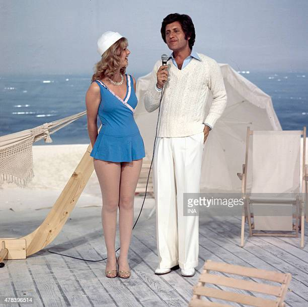 Joe Dassin and Jeane Manson in seaside costume in the program ''Number one Joe Dassin'' of Maritie and Gilbert Carpentier Roger Pradines's production