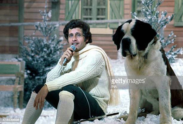 Joe Dassin schante in the program ''Number one'' realized by Roger Pradines which is dedicated to him