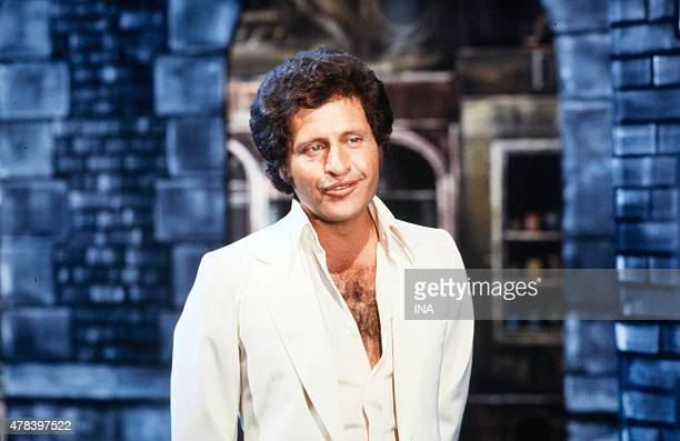 Joe Dassin's portrait during the program ''Number one''