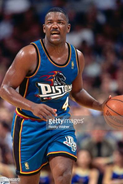 joe-dumars-of-the-detroit-pistons-shoots