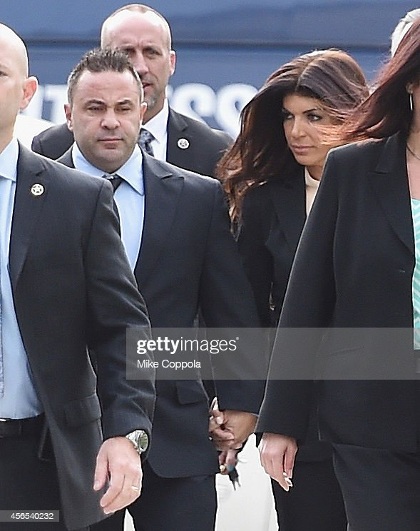 <a gi-track='captionPersonalityLinkClicked' href=/galleries/search?phrase=Joe+Giudice&family=editorial&specificpeople=5978109 ng-click='$event.stopPropagation()'>Joe Giudice</a> (L) and wife <a gi-track='captionPersonalityLinkClicked' href=/galleries/search?phrase=Teresa+Giudice&family=editorial&specificpeople=5912953 ng-click='$event.stopPropagation()'>Teresa Giudice</a> arrive for sentencing at federal court in Newark on October 2, 2014 in Newark, New Jersey.