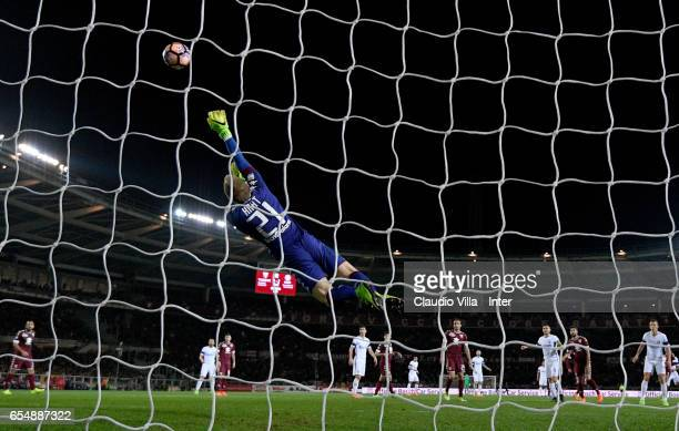 Joe Hart of FC Torino in action during the Serie A match between FC Torino and FC Internazionale at Stadio Olimpico di Torino on March 18 2017 in...