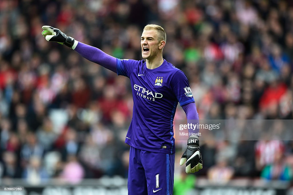 Joe Hart of Manchester City gives instructions during the Barclays Premier League match between Southampton and Manchester City at St Mary's Stadium on May 1, 2016 in Southampton, England.