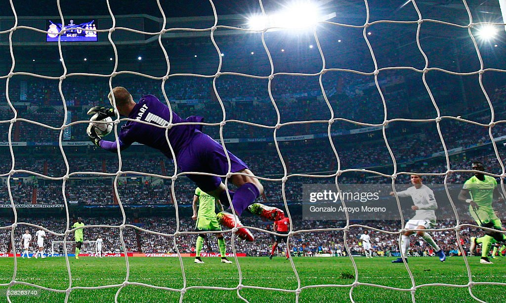 Joe Hart of Manchester City makes a save from Cristiano Ronaldo of Real Madrid during the UEFA Champions League semi final, second leg match between Real Madrid and Manchester City FC at Estadio Santiago Bernabeu on May 4, 2016 in Madrid, Spain.