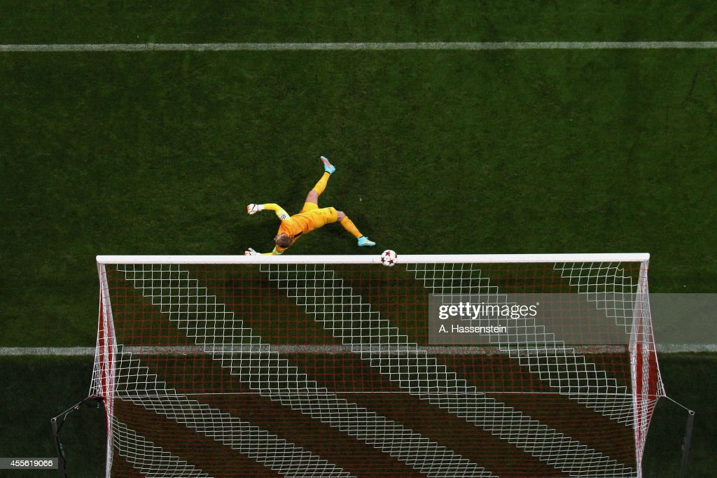 Joe Hart of Manchester reacts during the UEFA Champions League Group E match between Bayern Munchen and Manchester City at the Allianz Arena on September 17, 2014 in Munich, Germany.