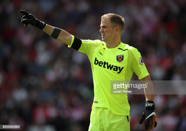 Joe Hart of West Ham gives instructions during the Premier League match between Southampton and West Ham United at St Mary's Stadium on August 19...