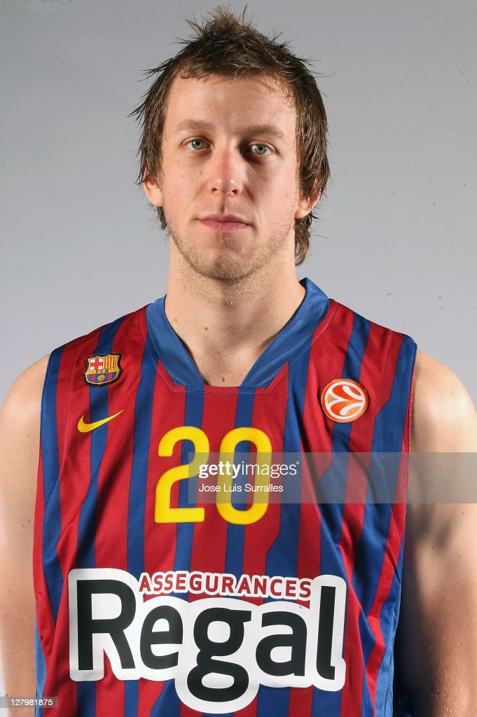 <a gi-track='captionPersonalityLinkClicked' href=/galleries/search?phrase=Joe+Ingles&family=editorial&specificpeople=3868025 ng-click='$event.stopPropagation()'>Joe Ingles</a>, #20 poses during the FC Barcelona Regal 2011/2012 Turkish Airlines Euroleague Basketball Media day at palau Blaugrana on October 4, 2011 in Barcelona, Spain.