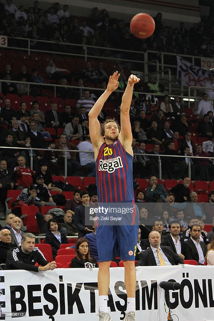 <a gi-track='captionPersonalityLinkClicked' href=/galleries/search?phrase=Joe+Ingles&family=editorial&specificpeople=3868025 ng-click='$event.stopPropagation()'>Joe Ingles</a> #20 of FC Barcelona Regal in action during the 2012-2013 Turkish Airlines Euroleague Top 16 Date 4 between Besiktas JK Istanbul v FC Barcelona Regal at Abdi Ipekci Sports Arena on January 17, 2013 in Istanbul, Turkey.