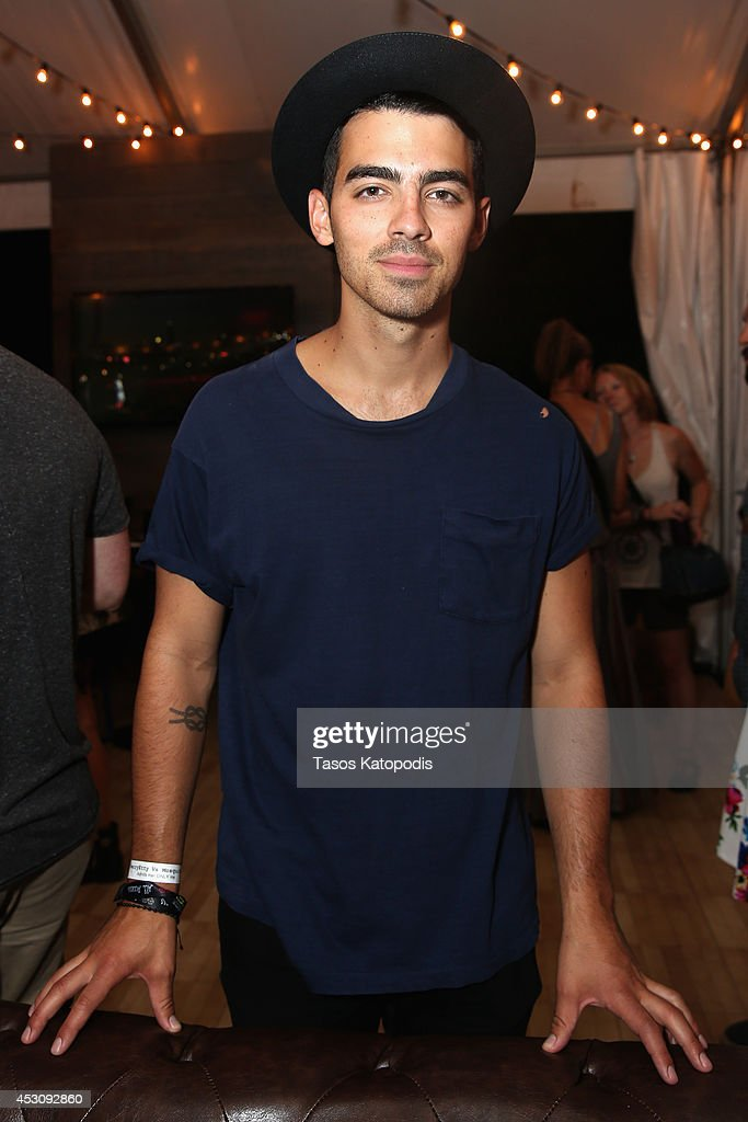 <a gi-track='captionPersonalityLinkClicked' href=/galleries/search?phrase=Joe+Jonas&family=editorial&specificpeople=842712 ng-click='$event.stopPropagation()'>Joe Jonas</a> at the Samsung Galaxy Artist's Lounge at Lollapalooza at Grant Park on August 2, 2014 in Chicago, Illinois.