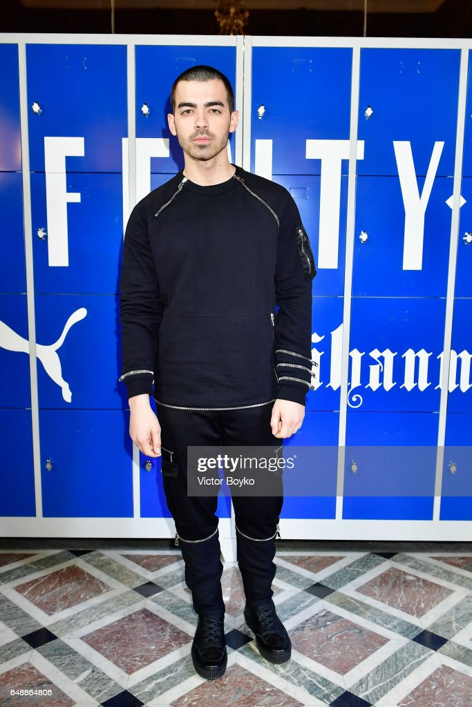 FENTY PUMA by Rihanna Fall / Winter 2017 Collection - Photocall Arrivals