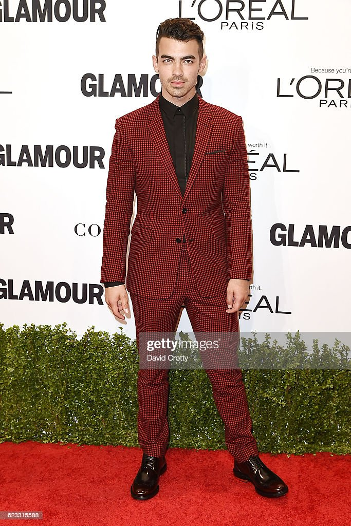 joe-jonas-attends-the-glamour-celebrates-2016-women-of-the-year-at-picture-id623315588