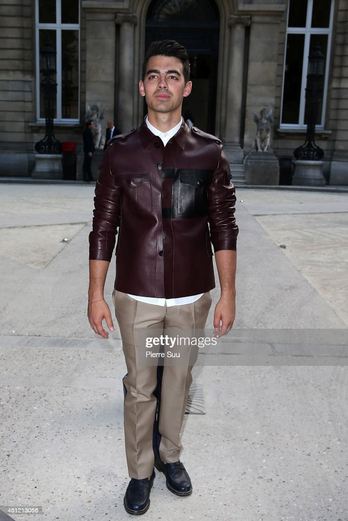 <a gi-track='captionPersonalityLinkClicked' href=/galleries/search?phrase=Joe+Jonas&family=editorial&specificpeople=842712 ng-click='$event.stopPropagation()'>Joe Jonas</a> attends the Valentino show as part of the Paris Fashion Week Menswear Spring/Summer 2015 on June 25, 2014 in Paris, France.