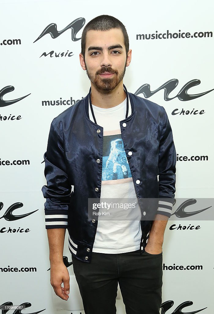 <a gi-track='captionPersonalityLinkClicked' href=/galleries/search?phrase=Joe+Jonas&family=editorial&specificpeople=842712 ng-click='$event.stopPropagation()'>Joe Jonas</a> of the Jonas Brothers visits Music Choice's U&A at Music Choice on June 20, 2013 in New York City.