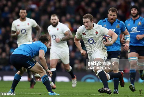 Joe Launchbury of England breaks with the ball during the RBS Six Nations match between England and Italy at Twickenham Stadium on February 26 2017...
