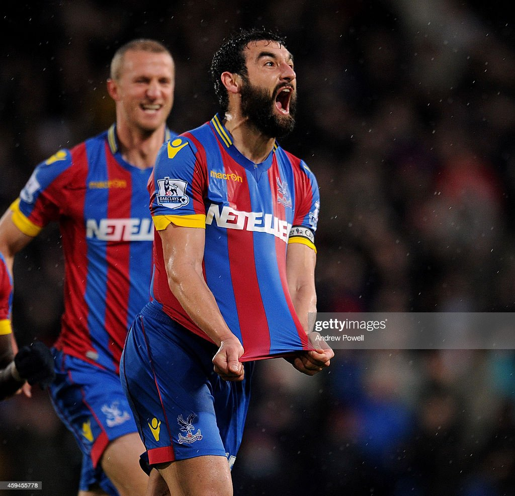 <a gi-track='captionPersonalityLinkClicked' href=/galleries/search?phrase=Joe+Ledley&family=editorial&specificpeople=687410 ng-click='$event.stopPropagation()'>Joe Ledley</a> of Crystal Palace celebrates after scoring the third goal during the Barclays Premier League match between Crystal Palace and Liverpool at Selhurst Park on November 23, 2014 in London, England.