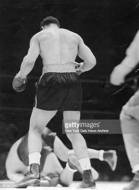 Joe Louis knocks out German boxer Max Schmeling in the first round