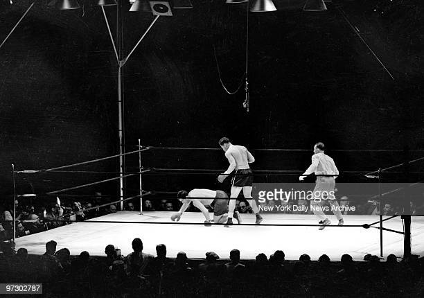 Joe Louis vs Max Schmeling Max spins as he plunges toward canvas