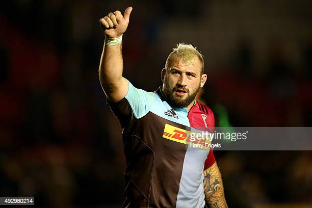 Joe Marler of Harlequins thanks the crowd after the Aviva Premiership match between Harlequins and Wasps at Twickenham Stoop on October 16 2015 in...