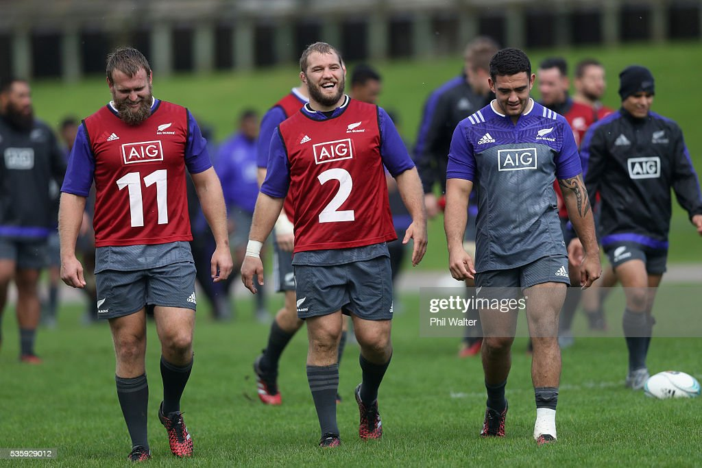 <a gi-track='captionPersonalityLinkClicked' href=/galleries/search?phrase=Joe+Moody+-+Rugby+Union+Player&family=editorial&specificpeople=15162118 ng-click='$event.stopPropagation()'>Joe Moody</a>, <a gi-track='captionPersonalityLinkClicked' href=/galleries/search?phrase=Owen+Franks+-+Rugby+Player&family=editorial&specificpeople=5509808 ng-click='$event.stopPropagation()'>Owen Franks</a> and Codi Taylor of the All Blacks during a New Zealand All Blacks training session at Trusts Stadium on May 31, 2016 in Auckland, New Zealand.