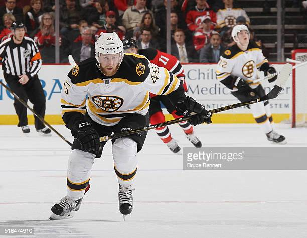 Joe Morrow of the Boston Bruins skates against the New Jersey Devils at the Prudential Center on March 29 2016 in Newark New Jersey The Devils...