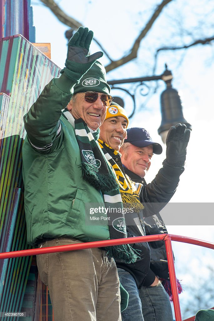 Joe Namath, Hines Ward, and Bart Oates attend the 87th annual Macy's Thanksgiving Day parade on November 28, 2013 in New York City.