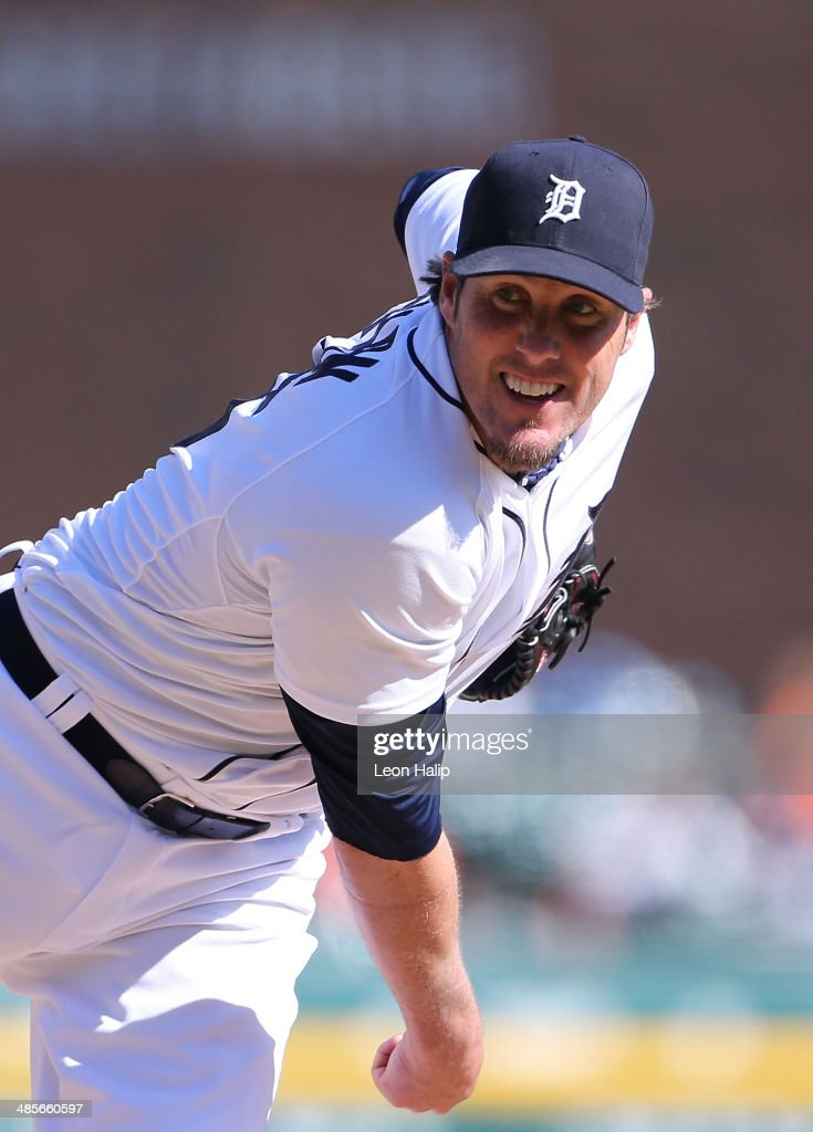 <a gi-track='captionPersonalityLinkClicked' href=/galleries/search?phrase=Joe+Nathan&family=editorial&specificpeople=215405 ng-click='$event.stopPropagation()'>Joe Nathan</a> #36 of the Detroit Tigers pitches in the ninth inning during the game against the Los Angeles Angels of Anaheim at Comerica Park on April 19, 2014 in Detroit, Michigan. The Tigers defeated the Angels 5-2.