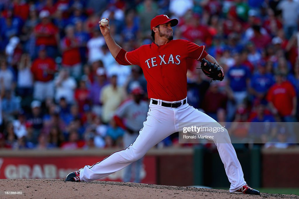 <a gi-track='captionPersonalityLinkClicked' href=/galleries/search?phrase=Joe+Nathan&family=editorial&specificpeople=215405 ng-click='$event.stopPropagation()'>Joe Nathan</a> #36 of the Texas Rangers throws against the Los Angeles Angels in the 9th inning at Rangers Ballpark in Arlington on September 29, 2013 in Arlington, Texas.