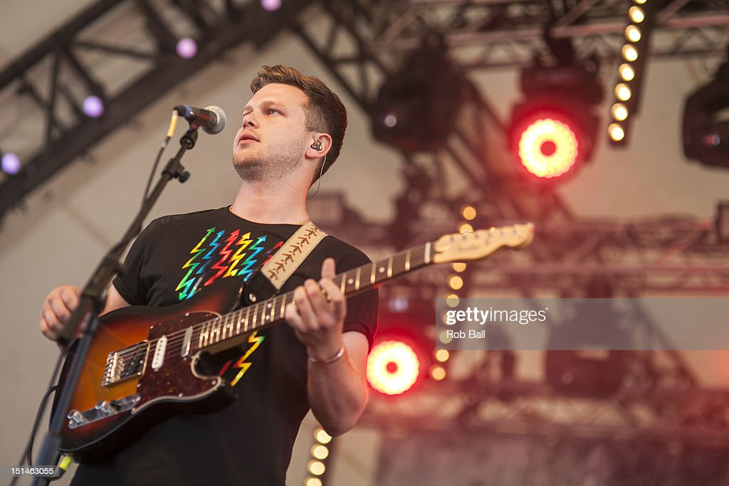 <a gi-track='captionPersonalityLinkClicked' href=/galleries/search?phrase=Joe+Newman+-+Musician&family=editorial&specificpeople=14328483 ng-click='$event.stopPropagation()'>Joe Newman</a> from Alt-J performs at Bestival 2012 at Robin Hill Country Park on September 7, 2012 in Newport, Isle of Wight.