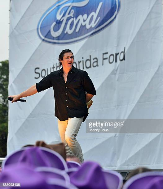 Joe Nichols performs during The 32nd Annual KISS 999 Chili CookOff at CB Smith Park on January 29 2017 in Pembroke Pines Florida
