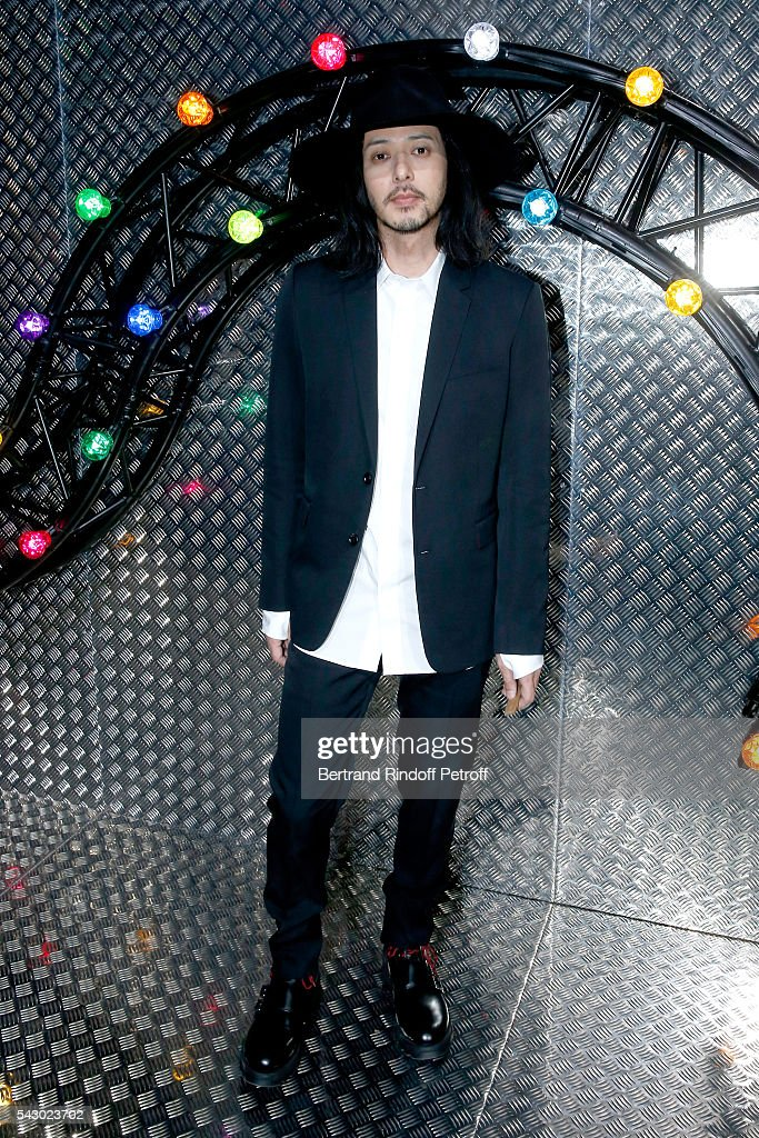 <a gi-track='captionPersonalityLinkClicked' href=/galleries/search?phrase=Joe+Odagiri&family=editorial&specificpeople=3039079 ng-click='$event.stopPropagation()'>Joe Odagiri</a> attends the Dior Homme Menswear Spring/Summer 2017 show as part of Paris Fashion Week on June 25, 2016 in Paris, France.