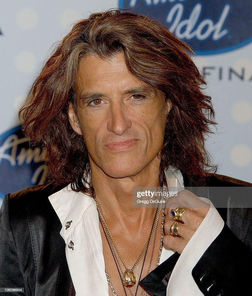 <a gi-track='captionPersonalityLinkClicked' href=/galleries/search?phrase=Joe+Perry+-+Musicien&family=editorial&specificpeople=13600677 ng-click='$event.stopPropagation()'>Joe Perry</a> of <a gi-track='captionPersonalityLinkClicked' href=/galleries/search?phrase=Aerosmith&family=editorial&specificpeople=640712 ng-click='$event.stopPropagation()'>Aerosmith</a> during 'American Idol' Season 6 Finale - Press Room at Kodak Theatre in Hollywood, California, United States.