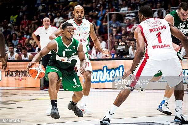 Joe Ragland drives to the basket during the final of Macron Supercoppa 2016 basketball match between Sidigas Avellino vs EA7 Emporio Armani Milano at...