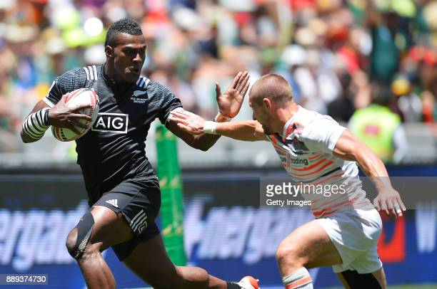 Joe Ravouvou of New Zealand during day 2 of the 2017 HSBC Cape Town Sevens match between England and New Zealand at Cape Town Stadium on December 10...