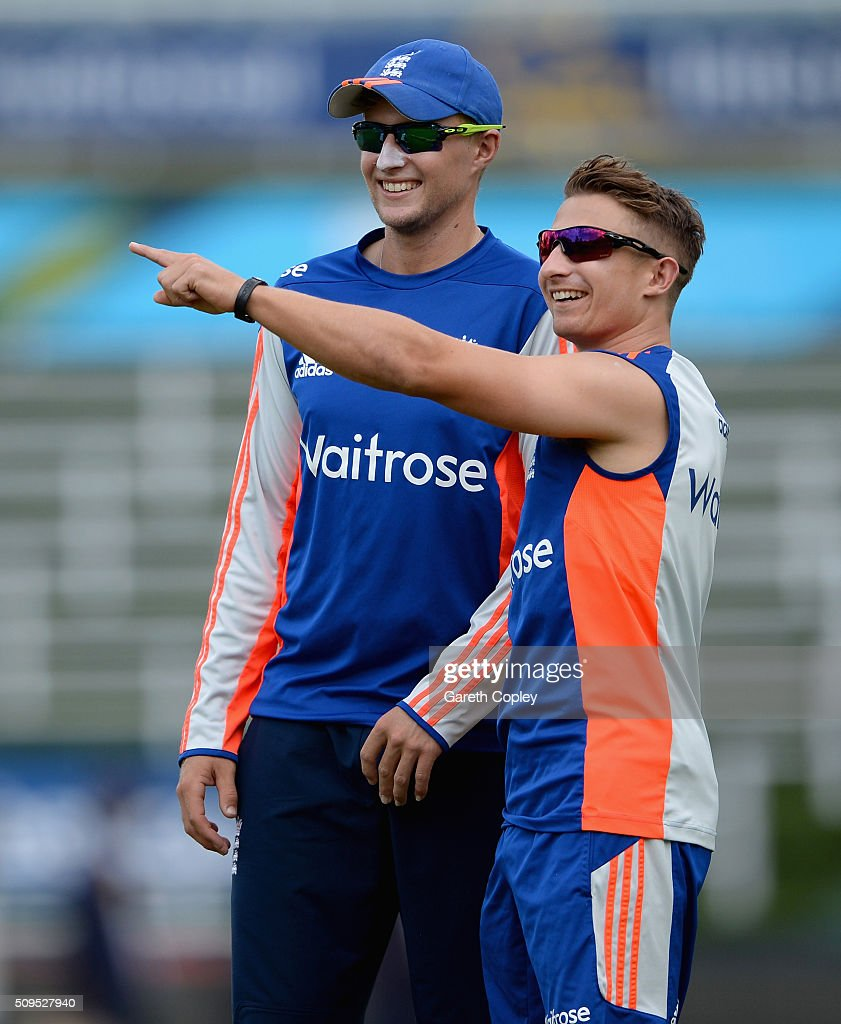 <a gi-track='captionPersonalityLinkClicked' href=/galleries/search?phrase=Joe+Root&family=editorial&specificpeople=6688996 ng-click='$event.stopPropagation()'>Joe Root</a> and <a gi-track='captionPersonalityLinkClicked' href=/galleries/search?phrase=James+Taylor+-+Cricketer&family=editorial&specificpeople=7622826 ng-click='$event.stopPropagation()'>James Taylor</a> of England share a joke during a nets session at Bidvest Stadium on February 11, 2016 in Johannesburg, South Africa.