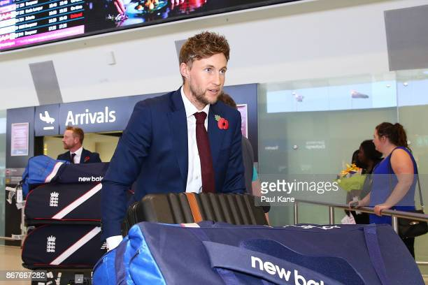 Joe Root of England arrives at Perth Airport with the England Test squad on October 29 2017 in Perth Australia ahead of the 2018/18 Ashes Series in...